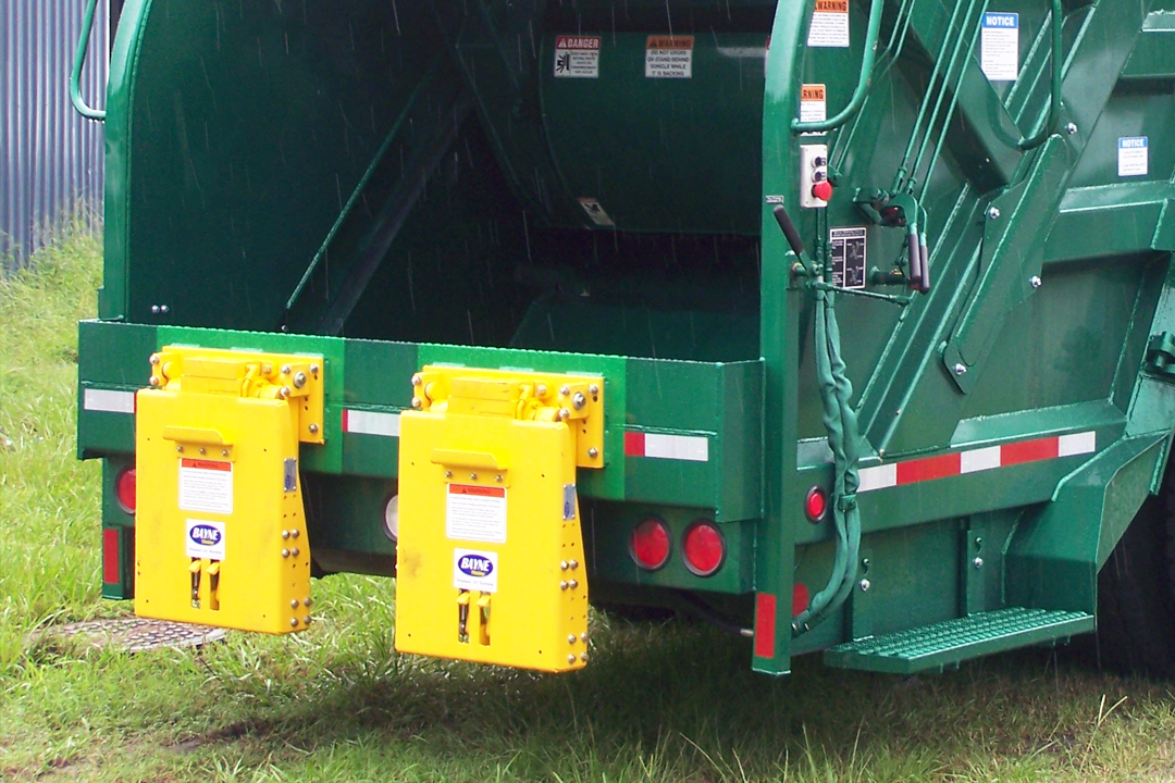 Bayne TL Garbage Truck Cart Lifter - Tipper